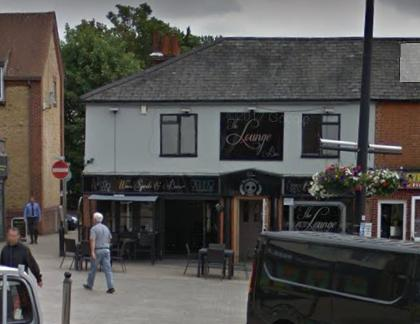 Two men arrested following assaults in Braintree bar