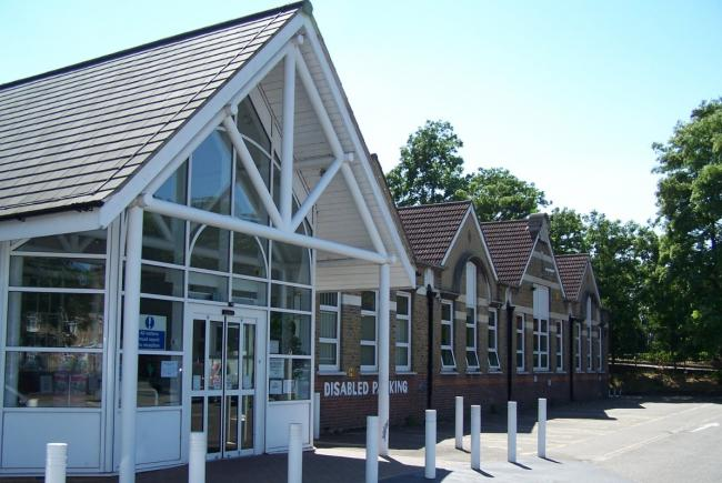 thurrock adult community college