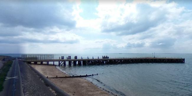 Coastguard called after careless seasiders 'tombstone' off pier