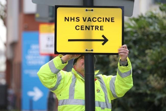 What are the latest vaccine figures in Braintree?