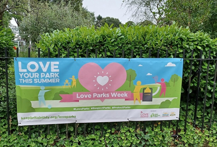 Braintree Council support national campaign to keep parks tidy