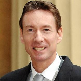 Journalist Frank Gardner has said sorry for a 'breach of confidence' after revealing a conversation with the Queen about Abu Hamza