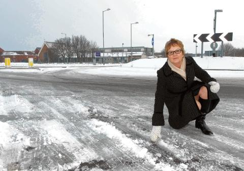 Witham: Headteacher calls for schools to be gritting priority