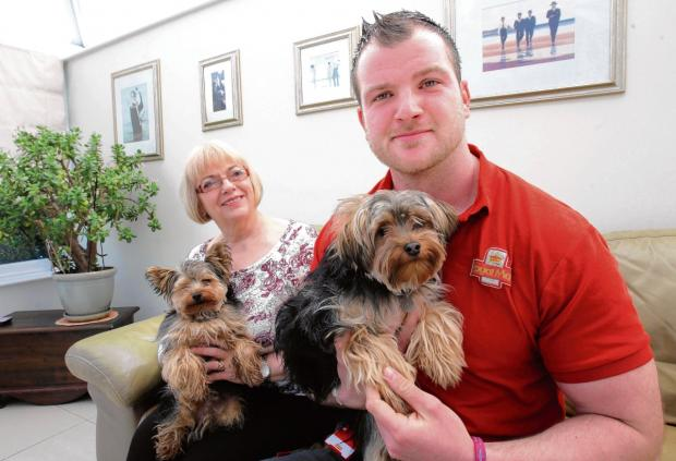 Off-duty postie Ian leads search for missing dog