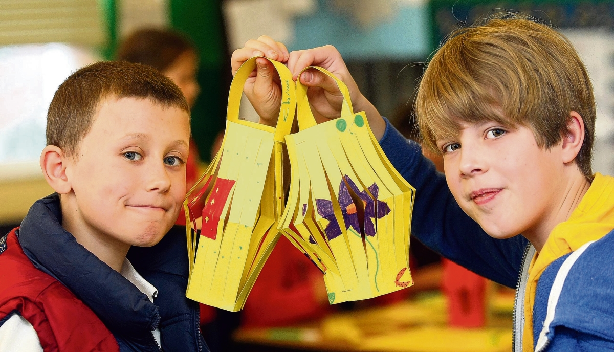 Schoolchildren celebrate Chinese culture with activity day