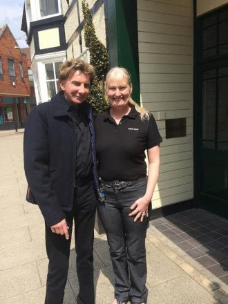 Self-confessed superfan Helen Bryan, manager at the White Hart Hotel, managed to have a picture with the Copacabana singer