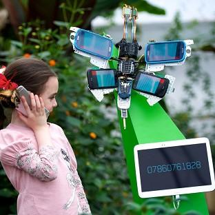 O2 Recycle has created a series of mechanical butterflies entirely out of old mobile phones