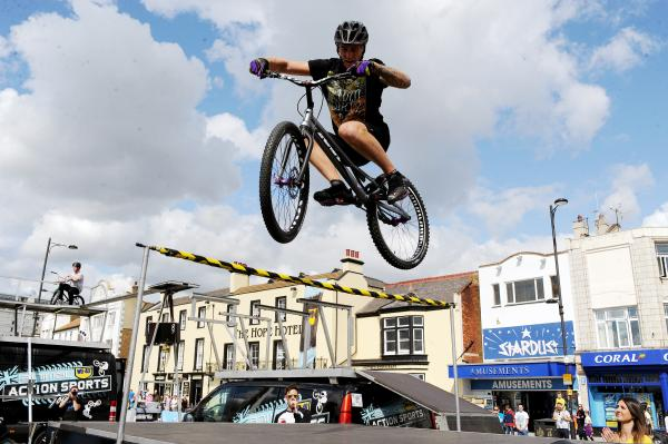 Hitting the heights - stunt bikes on Southend seafront