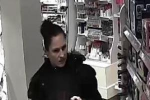 CCTV: Pair wanted in connection with theft
