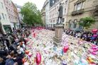 Manchester attack mourners and well-wishers flock to unofficial memorial