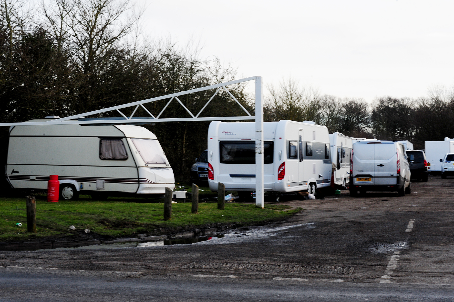 Travellers have rocked up in a car park of The Southend Road, Crays Hill..