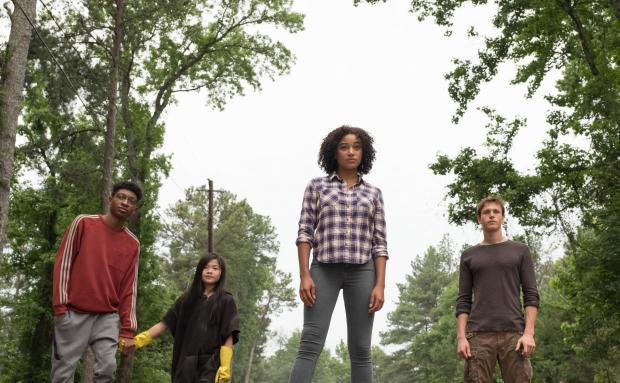 Braintree and Witham Times: Dystopian drama - The Darkest Minds. Pictured: Skylan Brooks as Chubs, Miya Cech as Zu, Amandla Stenberg as Ruby Daly and Harris Dickinson as Liam.