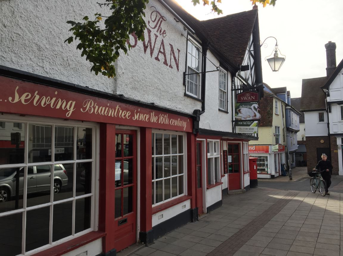 Available: The Swan in Bank Street, Braintree